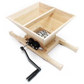un Pressoir à fruits en bois
